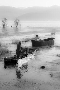 Boatman of Erhai Lake . by sk teh on 500px