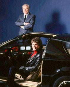 Devon Miles (Edward Mulhare) and Michael Knight (David Hasselhoff) Classic Tv, Classic Cars, Kitt Knight Rider, 1980s Tv, Mejores Series Tv, 80 Tv Shows, Baywatch, Us Cars, Star Wars Art
