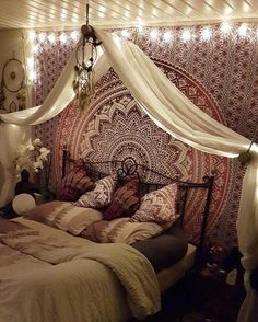 Indian Red Tapestry, Putting together a Boho bedroom may be tricky. Ideally you want your Bohemian bedroom to look colle, Bohemian Bedroom Decor, Decor Room, Cozy Bedroom, Dream Bedroom, Diy Bedroom Decor, Diy Home Decor, Master Bedroom, Dream Rooms, Bedroom Curtains