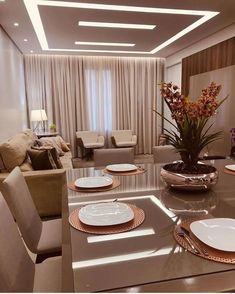 Integrated TV and Dining room with a modern and sophisticated design! Interior Ceiling Design, House Ceiling Design, Ceiling Design Living Room, Bedroom False Ceiling Design, Modern Ceiling Design, Living Room Lighting Ceiling, Home Ceiling, House Design, Best Living Room Design