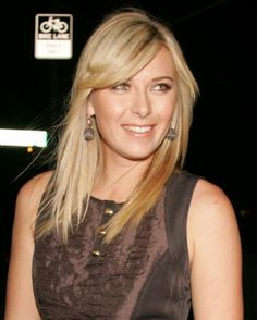 Maria Sharapova has perfectly styled bangs and great, natural makeup