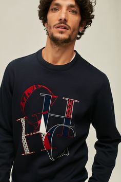 Sudadera de felpa CH Swing Azul Marino - Nueva Colección | CH Carolina Herrera España Carolina Herrera Men, Luxury Branding, Versace, Sons, Baby Kids, Graphic Tees, Sweatshirts, Long Sleeve, Mens Tops