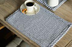 * Farbe in diesem Angebot enthaltene Light Grey *  Schöner Satz von 2 Tischsets handgefertigt, gestrickt mit Baumwollkordel.  Größe: 30 x 40 cm  Vielen Dank für den Besuch in meinem Shop