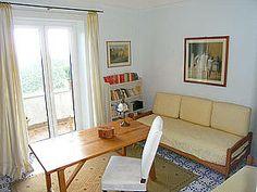 Ferienwohnung: Casa Vecchia in Albori - Gemütlicher Wohnbereich. www.amalfi-ferien.de Amalfi, Couch, Furniture, Home Decor, Living Area, Homes, House, Homemade Home Decor, Sofa