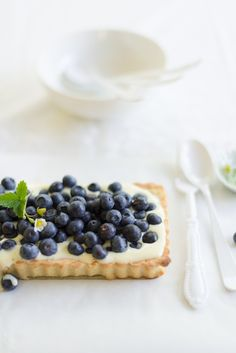 Fresh Blueberry & Mascarpone Tart via Au Petit Goût #recipe
