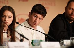 """Barry Keoghan Photos - Raffey Cassidy, Barry Keoghan and Yorgos Lanthimos attend """"The Killing Of A Sacred Deer"""" press conference during the 70th annual Cannes Film Festival at Palais des Festivals on May 22, 2017 in Cannes, France. - 'The Killing Of A Sacred Deer' Press Conference - The 70th Annual Cannes Film Festival"""