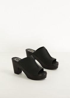 Totokaelo - No. 6 Black / Black Front Seam Slides Platform