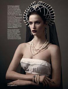 marigoldandmuse: I love this. Very Russian- my favorite headdresses around. Kokoshnik (кокошник) is it?