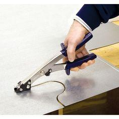 Ecco come lavora la cesoia roditrice per il taglio curvo della lamiera