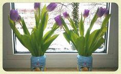 Frühlingshafte Vasen aus Getränkedosen