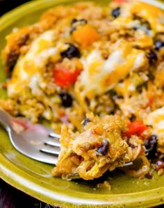 Pesto Chicken & Vegetable Quinoa Bake - Layers of Happiness Chicken And Vegetable Bake, Vegetable Quinoa, Pesto Chicken, Chicken And Vegetables, Cheesy Chicken, Veggies, Fruit Recipes, Chicken Recipes, Cooking Recipes