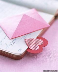 Valentine's Day Crafts // Heart Bookmark How-To