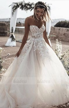 white wedding dress A-Line bridal dress Sweetheart Sleeveless Sweep Train Tulle Wedding Dress with Appliques Hochzeitskleid 2019 - wedding and engagement 2019 Sweetheart Wedding Dress, Perfect Wedding Dress, White Wedding Dresses, Cheap Wedding Dress, Bridal Dresses, Strapless Wedding Dresses, Princess Wedding Dresses, Wedding Dress Big Bust, Wedding Dress On A Budget