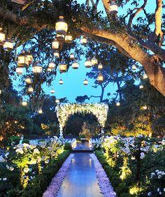 rustic country wedding walkway decor