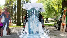 frozen inspired trunk or treat 1 Frozen Castle, Elsa Frozen, Trunk Or Treat, Diy Wedding Projects, Classroom Inspiration, Party Planning, Trunks, Drupal, Halloween
