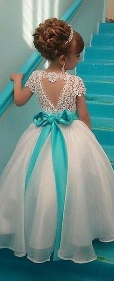 Gorgeous Dresses of Flower Girl will help to create your wedding day distinctive and memorable. So if you do not have any idea, look at this gallery of best flower girl lace dresses ideas that we have provided special for you. Cute Flower Girl Dresses, Lace Flower Girls, Little Girl Dresses, Girls Dresses, The Dress, Baby Dress, Dress Lace, Lace Bodice, Tulle Lace
