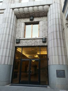 1920s Deco bank building Sacramento