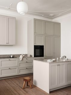 The Scandinavian Shaker Kitchen by Nordiska Kök (The Design Chaser) Nordic Kitchen, Scandinavian Kitchen, Kitchen Black, Mawa Design, Küchen Design, Clean Design, House Design, Home Interior, Kitchen Interior