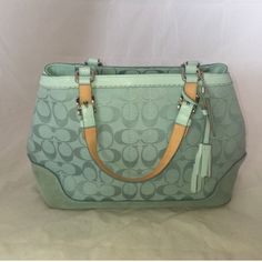 Coach handbag Very good conditions wear on edges as shown. No trades or offline transactions. Reasonable offers via offer option only. T Coach Bags Totes