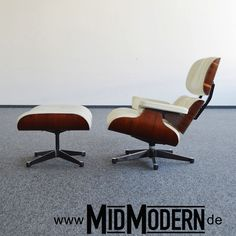 Eames Lounge Chair & Ottoman by Vitra, 1992, Rosewood, Leather Snow