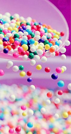 Sweet colorful candy ball shaking from bowl iphone se wallpaper Iphone 5s Wallpaper, Food Wallpaper, Iphone 4s, Wallpaper Pictures, Colorful Wallpaper, Wallpaper Ideas, Mobile Wallpaper, Colorful Candy, Candy Colors