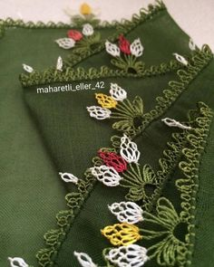No photo description available. Fashion Casual, Moda Emo, Baby Knitting Patterns, Kara, Machine Embroidery Designs, Alexander Mcqueen Scarf, Needlework, Diy And Crafts, Crochet
