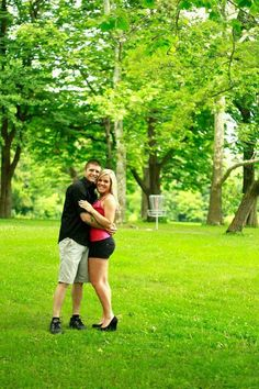 Disc golf engagement photo