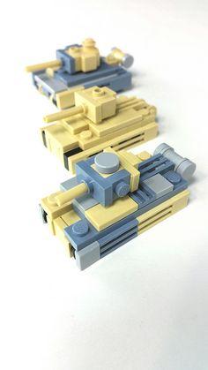 The British are coming! Lego Ww2, Lego Army, Lego Robot, Lego Duplo, Lego Batman, Lego Guns, Lego Challenge, Micro Lego, Lego Craft