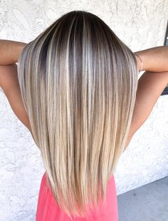 Makeup and hairstyle's Sleekhair: Offering Complete Range Of Beauty Products We are living in a pure Blonde Hair Looks, Blonde Hair With Highlights, Brown Blonde Hair, Hair Color Balayage, Dark Blonde, Blonde Balayage, Cabelo Ombre Hair, Blonde Hair Inspiration, Gorgeous Hair Color