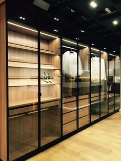 Glass Wardrobe, Wardrobe Room, Wardrobe Design Bedroom, Walk In Closet Design, Closet Designs, Wadrobe Design, Dressing Room Design, Modern Closet, Closet Lighting