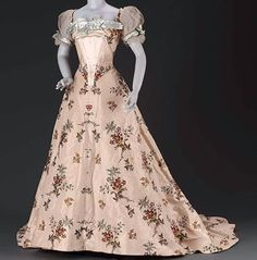 Evening gown, by the House of Worth, ca. 1902 Museum of Fine Arts Boston