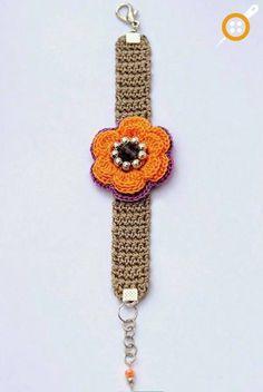 Spring summer crochet bracelet by Anabelia craft design. Brazalete a crochet. Crochet Flower Patterns, Crochet Flowers, Knitting Patterns, Jewelry Patterns, Bracelet Patterns, Crochet Shoes, Knit Crochet, Crochet Bracelet, Crochet Earrings