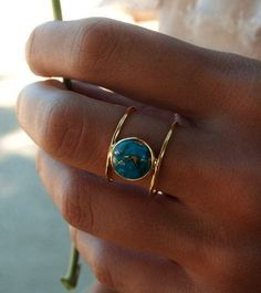 Turquoise Ring Gold Ring Statement Ring Gemstone Ring Copper Turquoise Ring Natural Organic Ring ByCila Blue Ring - Beautiful double thin band ring in gold vermeil. The center stone cut in a circle is the turquoise - Bridal Rings, Wedding Ring Bands, Wedding Finger, Ring Ring, Ringe Gold, Wedding Anniversary Rings, Turquoise Rings, Vintage Turquoise, Schmuck Design