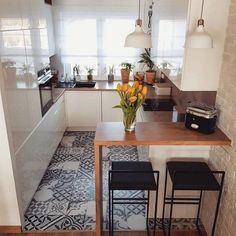 Home Decor - Beautiful Decoration Design Ideas For Small Kitchen Apartment Kitchen, Home Decor Kitchen, Interior Design Kitchen, Home Kitchens, Kitchen Ideas, Tiny Kitchens, Room Interior, Interior Ideas, Tiny House Storage