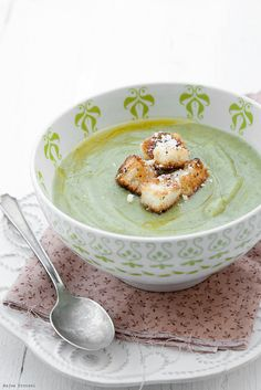 Broccoli Soup  How to prepare super #tasty #soup in 5 minutes! http://foodforhealthinternational.com/