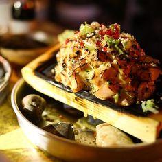 This was super yummy drool.. #salmonaburi #aburi #hanmoto #salmon #torched #ossington #lateopen #latenight #torontoizakaya #japanesefood #japanesecuisine #torontofoodie #izakaya #tapas #sashimi by janebaejh