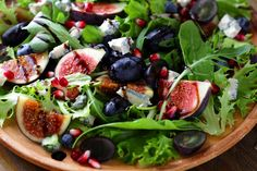 Salads are the logical choice for health-conscious eaters. They're loaded with wholesome, nutritious ingredients, and best of all they don't rely on carboh Clean Eating Snacks, Cornbread Salad, Avocado, Artichoke Pasta, Whole Grain Cereals, Squash Salad, Roasted Nuts, Banana Chips, How To Grill Steak