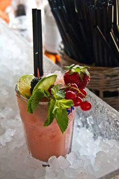 Ice + cocktail Singita Fregene Italy, Rome beach club