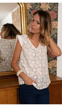 Sewing Blouses, Casual Outfits, Fashion Outfits, Couture Tops, Blouse And Skirt, Basic Tops, Mode Style, Lace Tops, Clothing Patterns