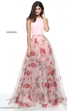 Shop long formal dresses and formal evening gowns at Simply Dresses. Women's formal dresses, long evening gowns, floor-length affordable evening dresses, and special-occasion formal dresses. Floral Prom Dresses, Sherri Hill Prom Dresses, Prom Dresses 2017, Pretty Dresses, Beautiful Dresses, Formal Dresses, Dress Prom, Dance Dresses, Dress Long