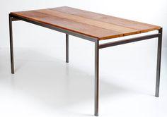 Eiken houten tafel op een onderstel van Cees Braakman voor pastoe M147 uit de…