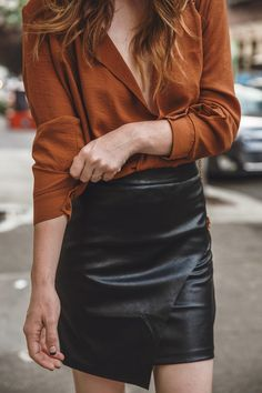 100 Badass Leather Clothes For Women Badass Lederbekleidung für Damen Badass Women Fashion, Androgynous Fashion Women, Short Women Fashion, Womens Fashion For Work, Look Fashion, Fashion Models, Feminine Fashion, Classy Edgy Fashion, Woman Fashion