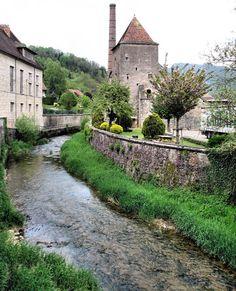 (via Salins les Bains, a photo from Franche-Comte, East   TrekEarth)  Salins-les-Bains, Franche-Comte, France