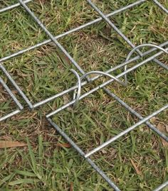 3 Valuable Clever Tips: Fence Lighting Creative bamboo fence home depot.Vinyl Fence On A Slope vinyl fence on a slope. Garden Fence Panels, Fence Plants, Front Yard Fence, Fence Art, Garden Fencing, Farm Fence, Low Fence, Rustic Fence, Lattice Fence