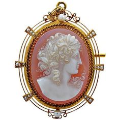 Preowned Edwardian Sardonyx Hard Stone Cameo Gold Brooch (204.555 RUB) ❤ liked on Polyvore featuring jewelry, brooches, multiple, edwardian pendant, edwardian jewelry, 18k gold jewelry, gold brooch and yellow gold pendant