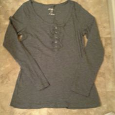 Grey T-shirt Scoop neck, ruffled button front Old Navy Tops Tees - Long Sleeve