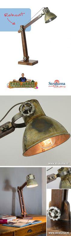 Robuuste landelijk/industriële vloerlam van Straluma   gezien bij ...
