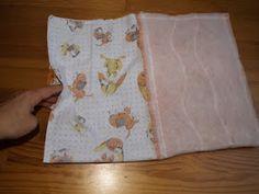 napos patchwork blog: Ünnepnap - Textil tároló készítése Textiles, Apron, Blog, Scrappy Quilts, Tutorial Sewing, Blogging, Fabrics, Aprons, Textile Art