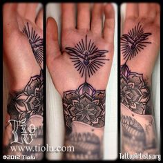 Palm tattoo and mandala Jagua Tattoo, I Tattoo, Hand Tattoos, Body Art Tattoos, Dream Tattoos, Animal Tattoos, Skin Art, Black And Grey Tattoos, Beautiful Tattoos