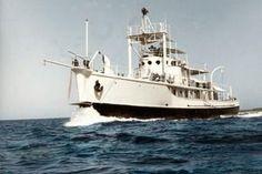 La Calypso en 1956, dans Le Monde du Silence de Jacques-Yves Cousteau.